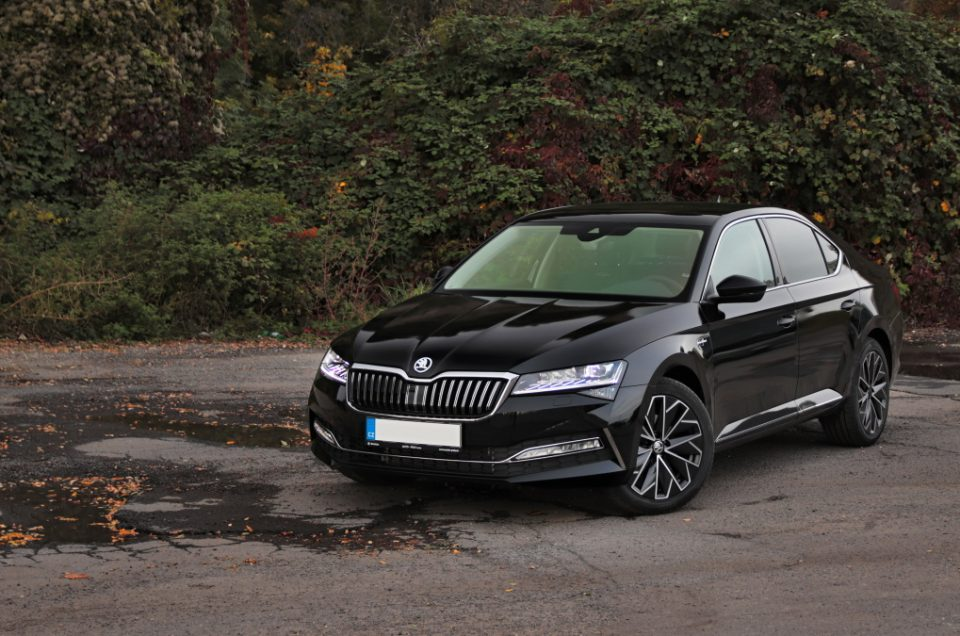 2019-skoda-superb-facelift- (18)