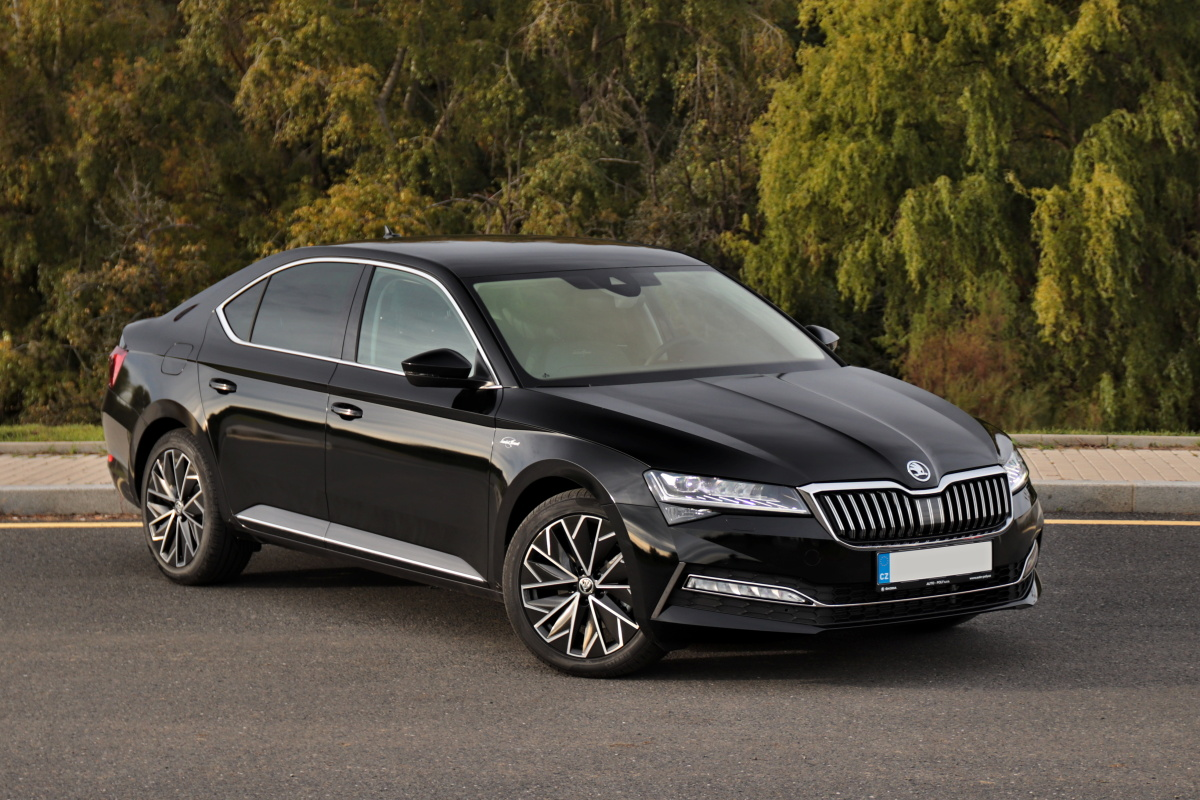 2019-skoda-superb-facelift- (23)