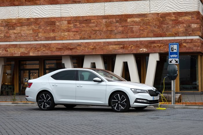 Škoda Superb iV (plug-in hybrid) Laurin & Klement (2019)